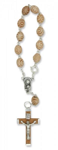 Zehner-Rosenkranz mit Holzperlen in Rosenform Hellbraun