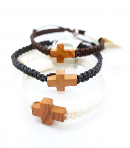 Armband mit Kreuz