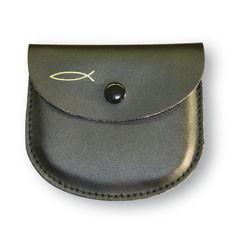 Rosenkranz-Etui mit goldenem Fisch-Motiv Leder Schwarz 8 x 7 cm