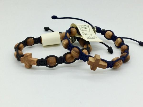 Armband mit zehn Olivenholzperlen und Kreuz